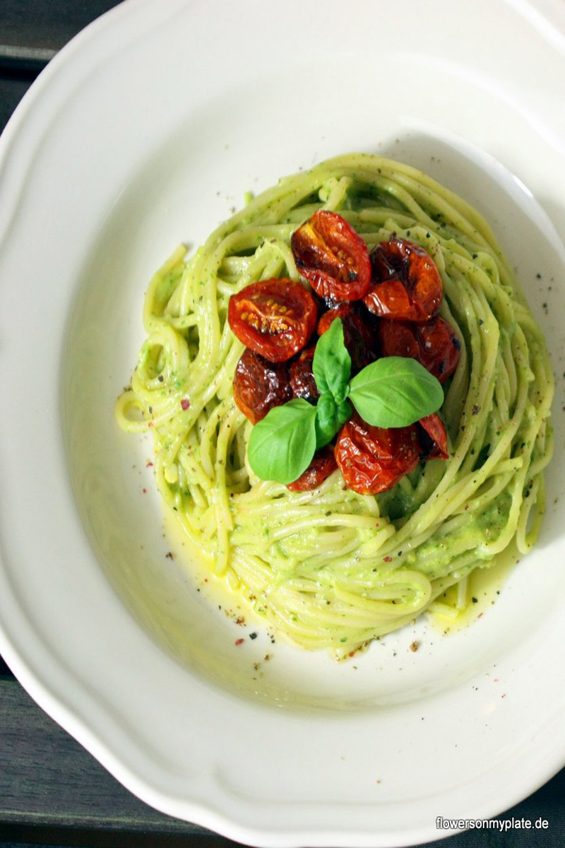 Avocadospaghetti-{flowers-on-my-plate}