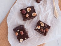 Brownie vegan {flowers on my plate}