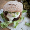 Vegetarische Maroni & Ricotta Burger {flowers on my plate}