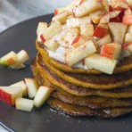 Apfel, Zimt & Kürbis Pancakes {flowers on my plate}