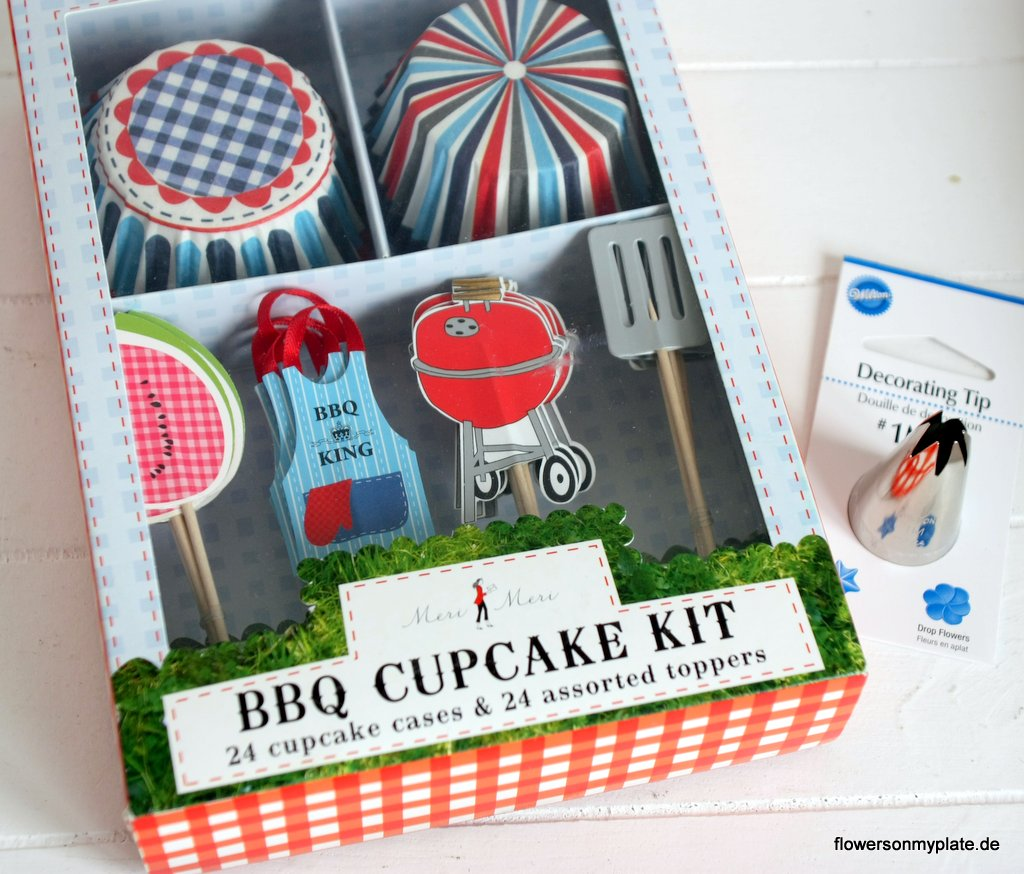 cupcake bbq set + wilton m1 spritztlle