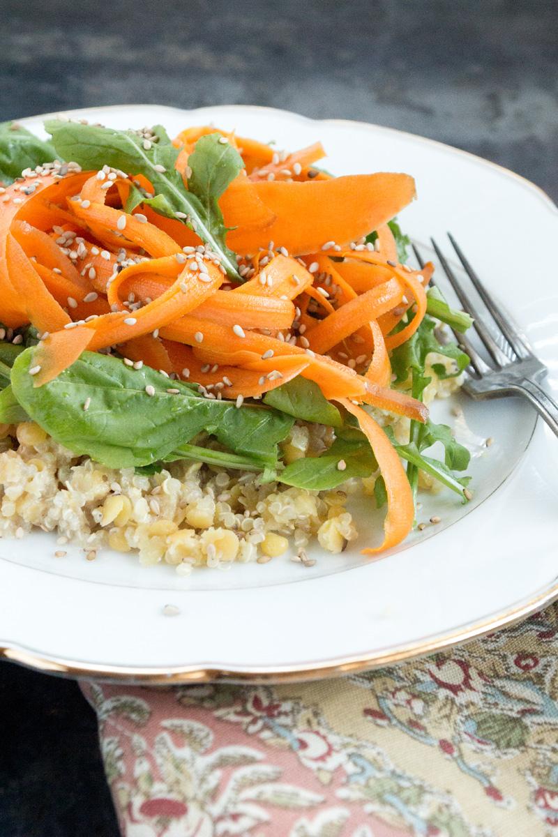 Karotten auf Quinoa Linsen Salat {flowers on my plate}