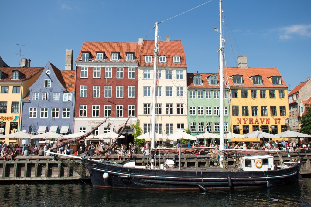 Nyhavn Kopenhagen {flowers on my plate}