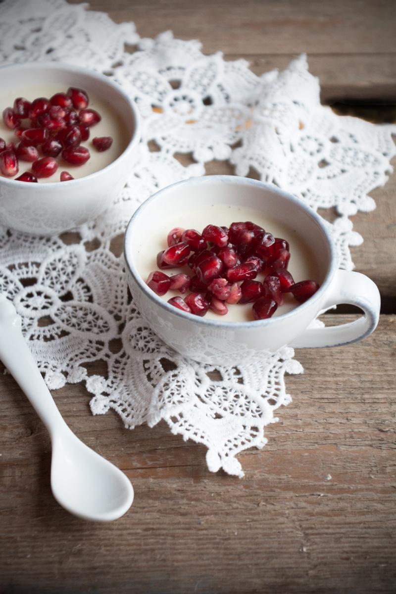 Kokos Panna Cotta {flowers on my plate}