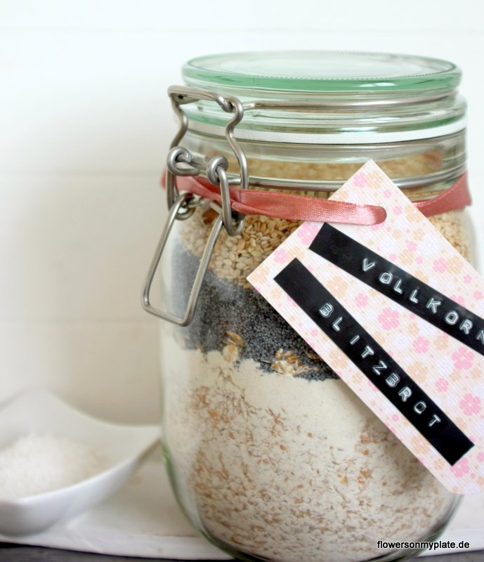 vollkorn blitzbrot im glas mit fleur de sel