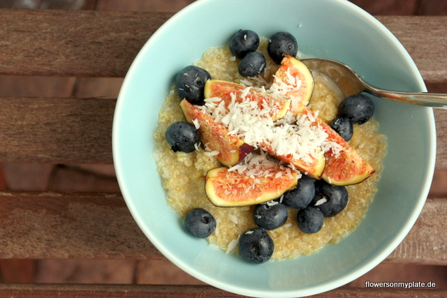 Warm coconut quinoa with fresh figs {flowers on my plate}