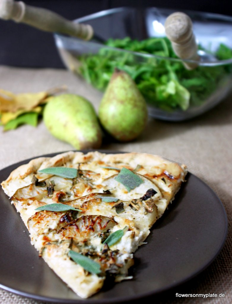 Pizza with Sage, Pears & Goat´s cheese / Salbeipizza mit Birne & Ziegenkäse {flowers on my plate}