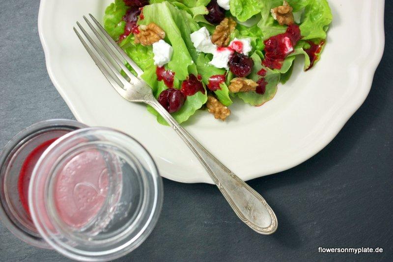 salat mit sauerkirschdressing