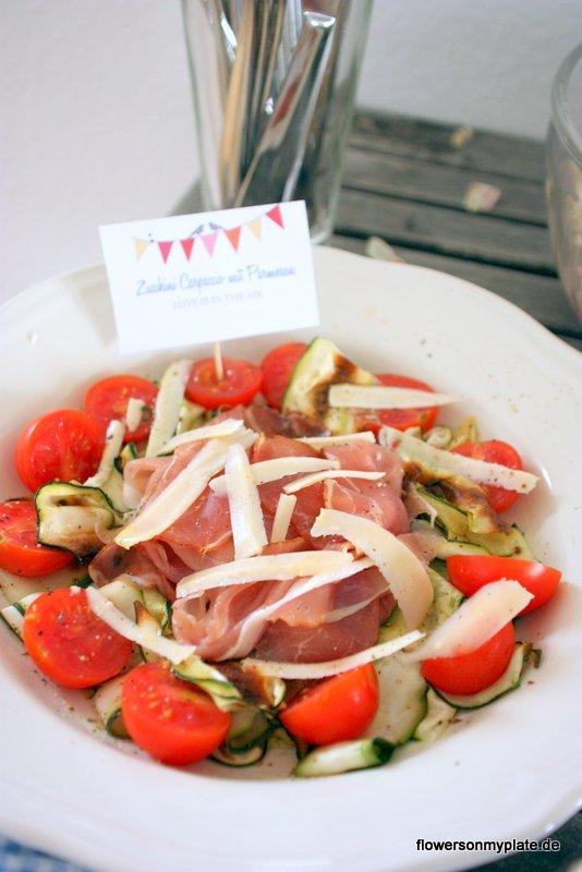 zucchini carpaccio mit parmesan & prosciutto
